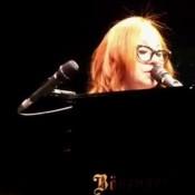 טורי איימוס בהופעה, שרה רדיוהד