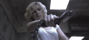 """סקרלט ג'והנסון ב""""לוסי"""". צילום: יח""""צ"""