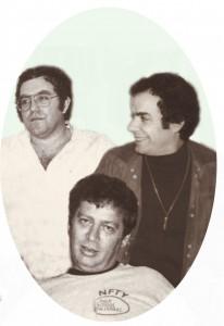דוד פז (משמאל), אברהם אלון ואורי אלוני (יושב). צילום: מארכיון דוד פז
