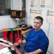 מעדן ויניל היום ברדיו קסם, 106 FM – שעה ראשונה